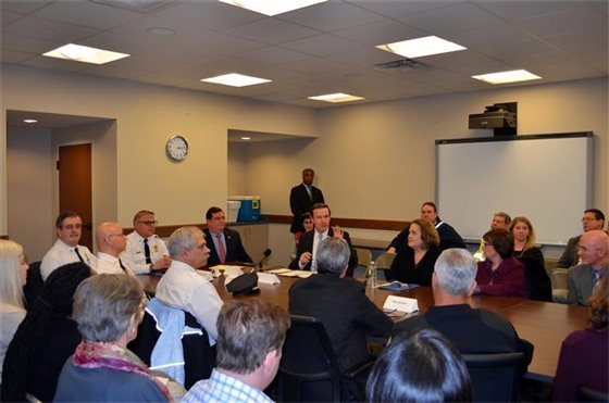 Murphy holds roundtable to discuss state opioid crisis