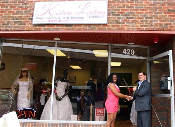 Karlene Lindsay bridal shop opens in downtown West Haven