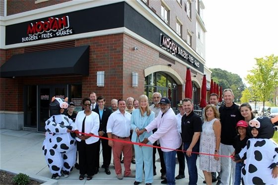 Mooyah Burgers, Fries & Shakes opens in The Atwood